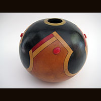 A gourd made by Ivy Howard.
