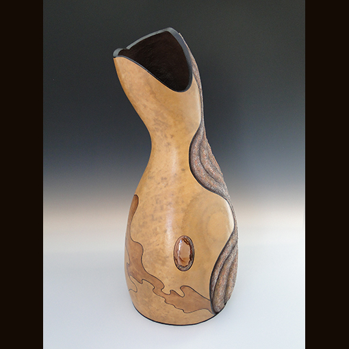 A gourd called Sands of Time made by Ivy Howard.